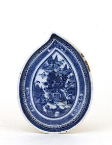 19C Chinese Export Canton Blue White Leaf Spoon