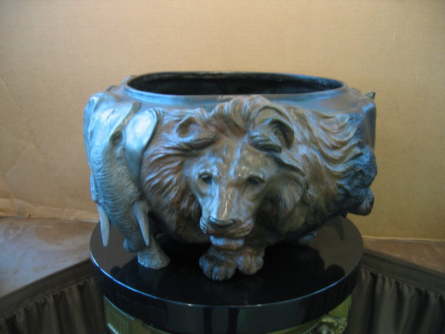 Large Animal Bowl Bronze