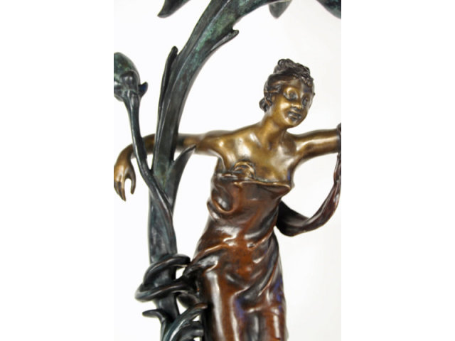 Art Nouveau Lady Figurine Lamp