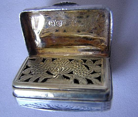 Vinaigrette English Sterling silver Purse /