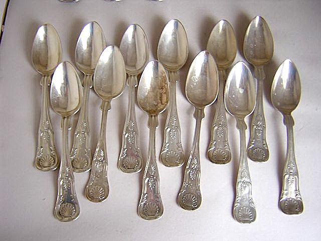 R & W Wilson Kings 12 teaspoons Sterling Silver