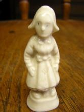 miniature figurine porcelain little dutch girl