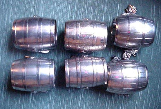 Napkin Ring Meriden # 625 Silverplate Barrel, Twig & Leaf design