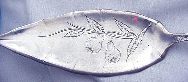 Pomona Pastry Server Towle Sterling Silver Fruit and Flowers