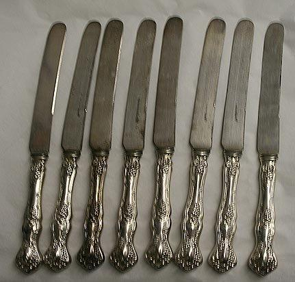 Vintage Dinner Knives 8 Rogers Silverplate Grapes design