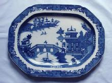 Platter Willow pattern unmarked soft paste 1840