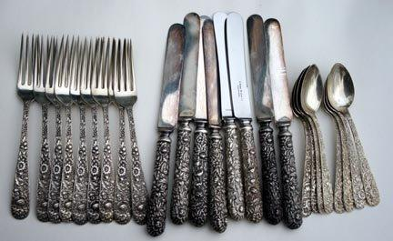 Repousse Kirk  sterling silver 925/1000 set  8 place settings with old style knives