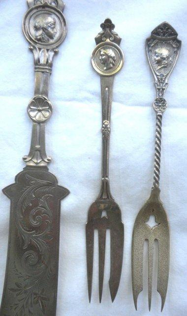 Medallion Gorham pastry fork sterling silver