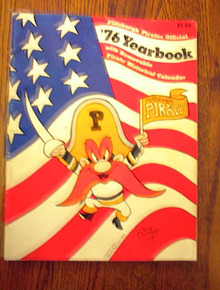 PITTSBURGH PIRATES OFFICAL 1976 YEAR BOOK