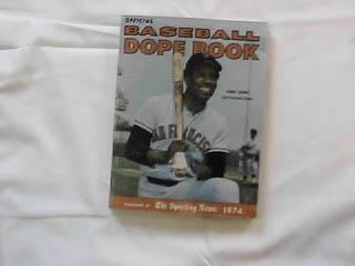 1974 BASEBALL DOPE BOOK BOBBY BONDS ON COVER