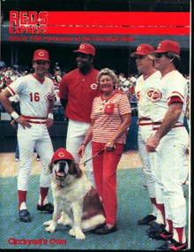 Cincinatti Reds 1986 Guide Mag!