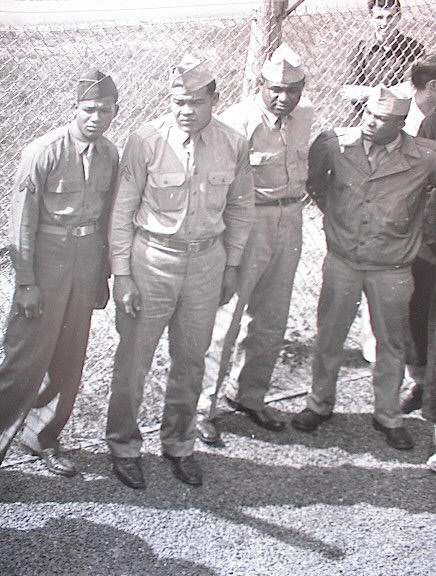 JOE LOUIS IN THE ARMY A GREAT L@@KING PHOTO