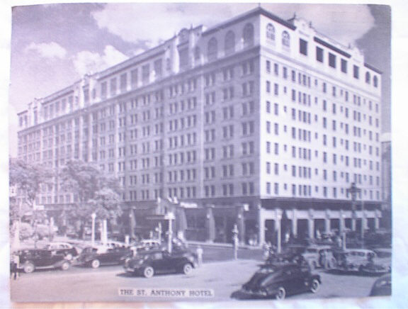 c1940'sJUMBO POSTCARD OF THE ST.ANTHONY HOTEL