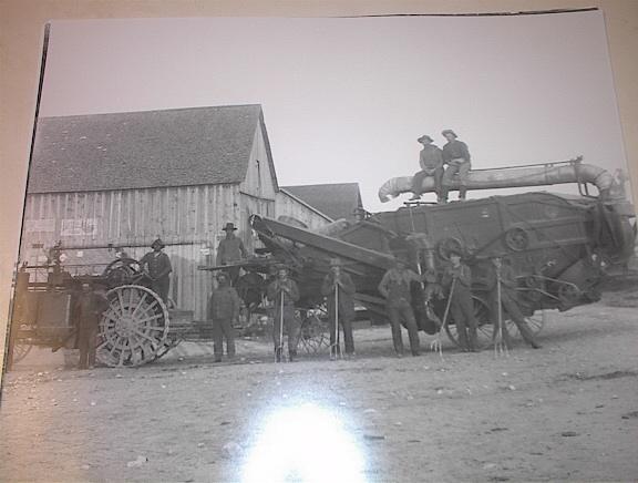 Ca 1920 B/W PHOTO of FARMERS & Equipment