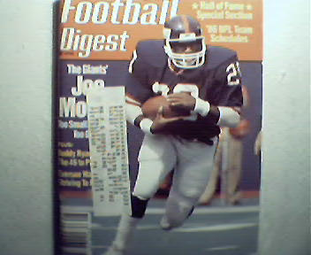 Football Digest-8/86 J.Morris,NFL Training Camps,More!
