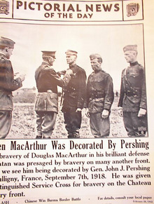 WHEN MACARTHUR WAS DECORATED BY PERSHING 1942