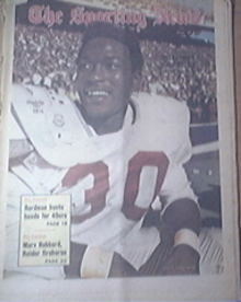 The Sporting News 11/27/1971 Oklahoma's Greg Bruitt