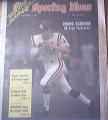 The Sporting News 11/17/1973 Viking QB Fran Tarkenton