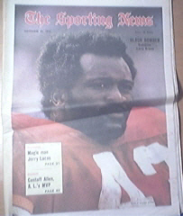 The Sporting News 11/25/1972 Redskins Larry Brown Cover