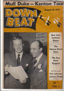 Down Beat Magazine 8/12/53 Sammy Davis, Duke Ellington, Nat Cole, Van Johnson, Johnny Green