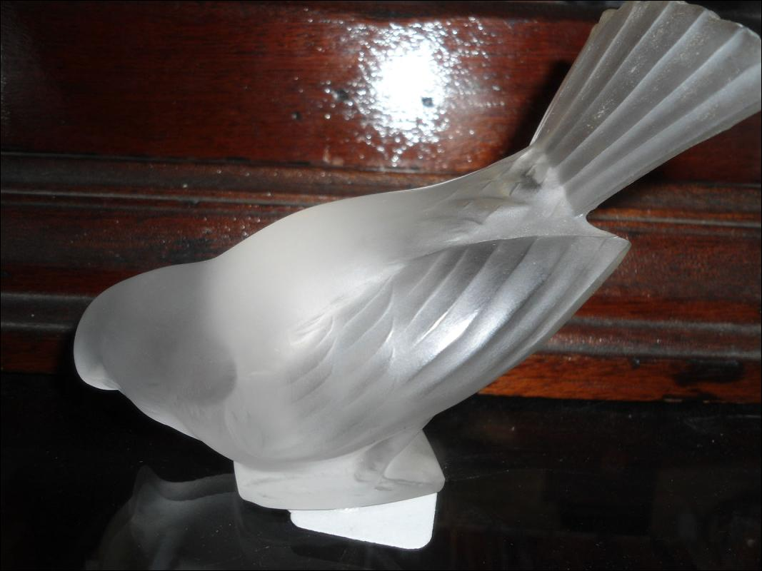 The seller has not uploaded any pictures. Check the item description for details.  Sell one like this  	 LALIQUE FRANCE SPARROW FIGURINE FROSTED CRYSTAL SCULPTURE PAPERWEIGHT SIGNED