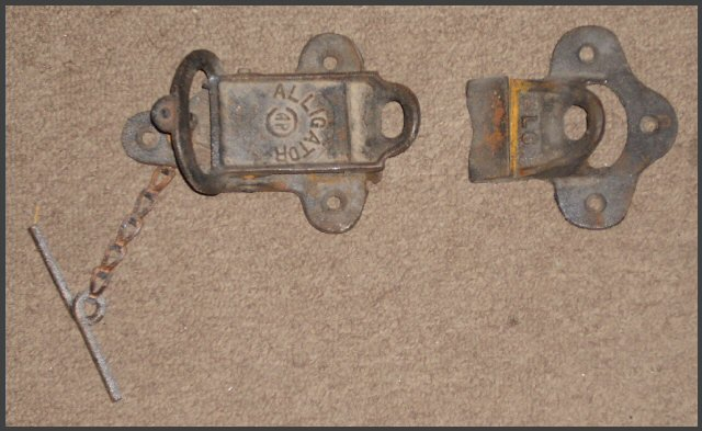 Vintage Alligator Sliding Door Latch