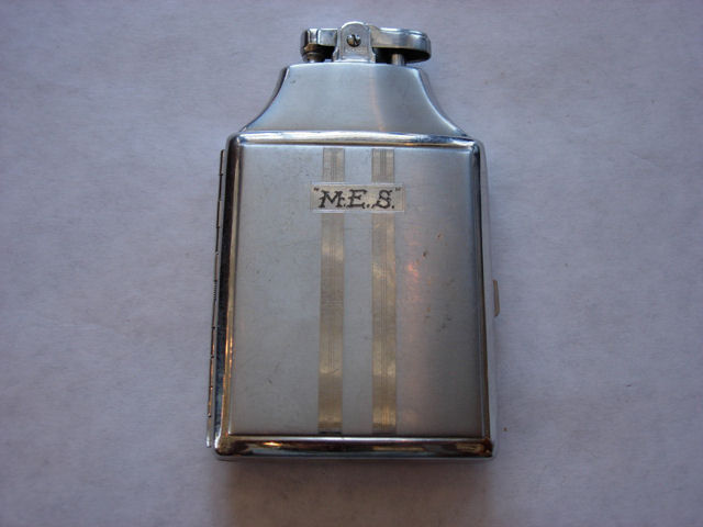 Cigarette Holder with Lighter