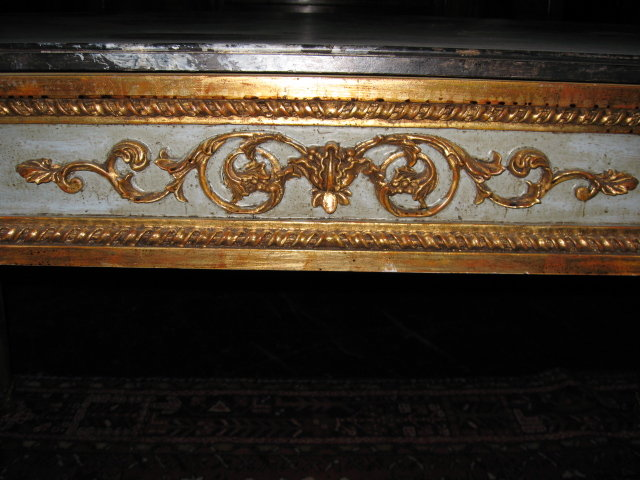 A Early 20th Century French table in the Louis XVI style