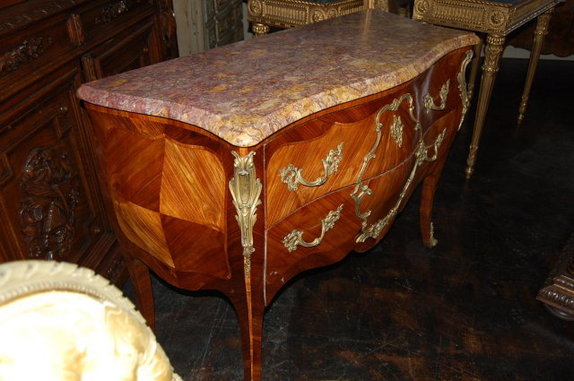 Exceptional French Louis XV Commode