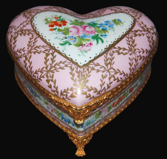 French Limoges Porcelain Jewelry Box