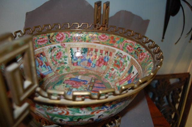 19th Century Chinese Rose Medallion Bowl