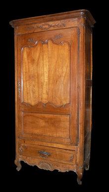 18th Century Provincial Bonnetiere