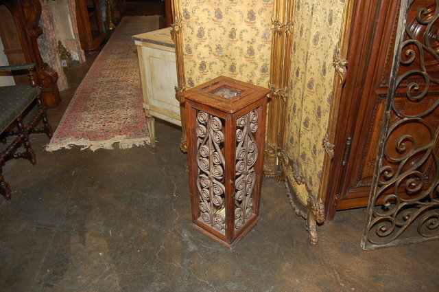 Indian Colonial Umbrella Stand