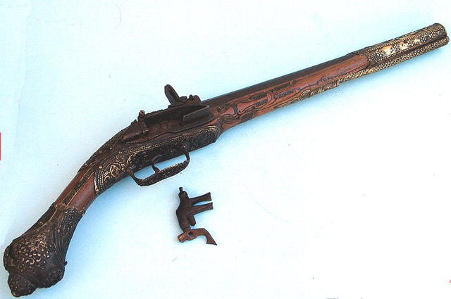 18th C CAVALRY TURKISH MINQUELET FLINTLOCK PISTOL