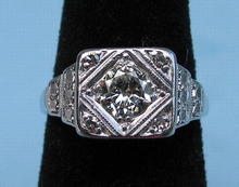 GOOD PLATINUM .6 CARAT DIAMOND RING GOOD STONE 5 TOTAL