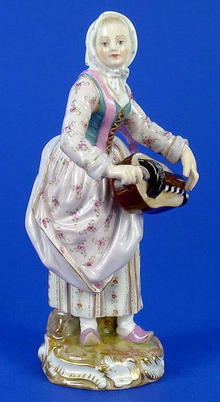 MEISSEN SUPERB WOMAN W/AUTO HARP LARGE