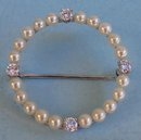 BEAUTIFUL PLATINUM PIN W/ PEARLS DIAMONDS QUALITY WORK