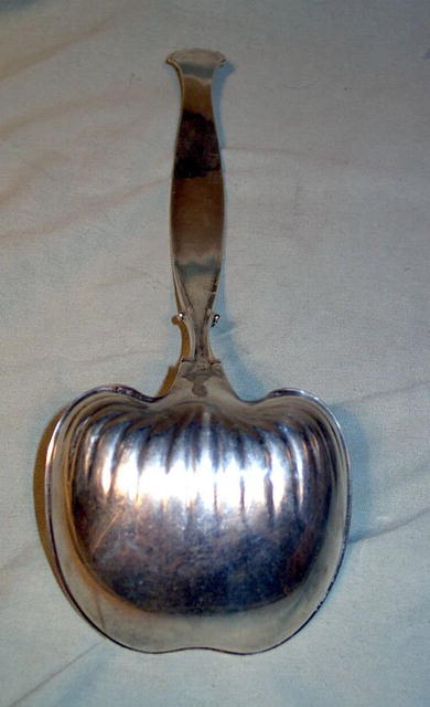 GREAT VICTORIAN / NOUVEAU STERLING PUNCH LADLE DETAIL
