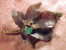 CELLINO 18K CARVED LEAF PIN W/BEE DIAMONDS RUBY EMERALD