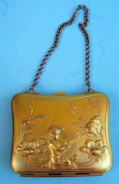 GOLD FILLED ART NOUVEAU PURSE WITH CUPIDS AND FLORALS