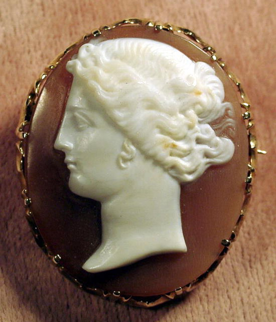 OUTSTANDING SHELL CAMEO FINE DETAILS 14K GOLD