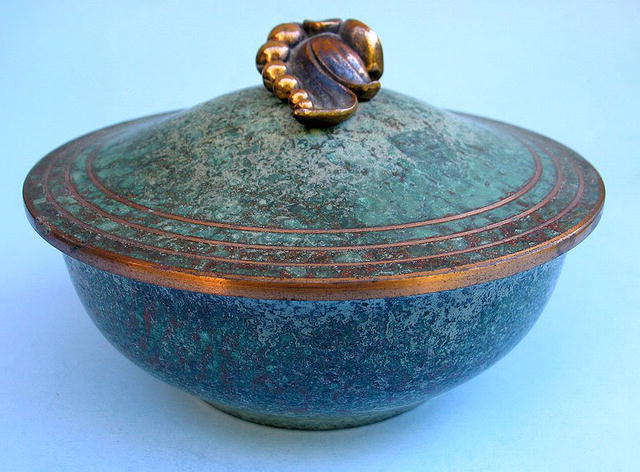 CARL SORENSON BOWL WITH GRAPE TOP PERFECT CONDITION