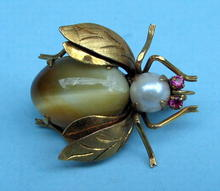 FINE 14K GOLD BUG WITH TIGERS EYE PEARL BODY RUBY EYES