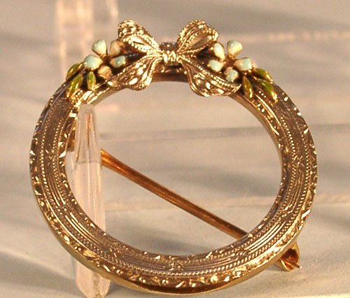 KREMENTZ 14K ENAMELED WREATH PIN 1900