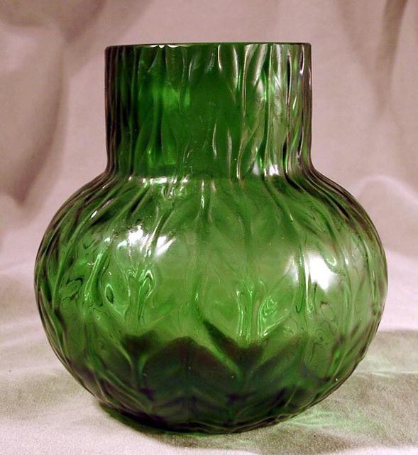 LOETZ STYLE AUSTRIAN ART GLASS VASE