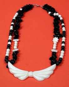 IVORY 40 PIECES ONYX 100s B/W NECKLACE