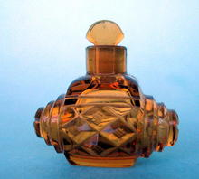 UNUSUAL AMBER CUT KEG SHAPED PERFUME BOTTLE DIFFERENT