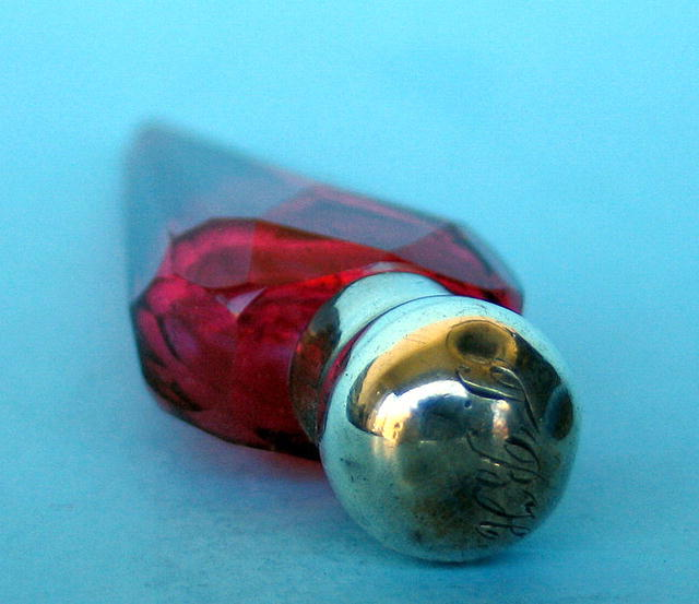 GREAT STERLING AND RED GLASS LAYDOWN PERFUME BOTTLE