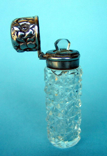FINE STERLING VICTORIAN CUT GLASS SCENT PERFUME BOTTLE