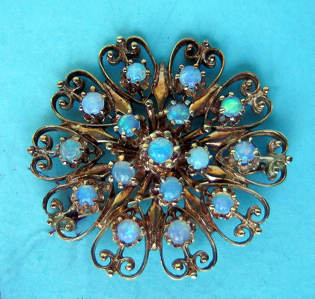 BEAUTIFUL JELLY OPAL AND 14K GOLD PIN BROOCH HALF OUNCE